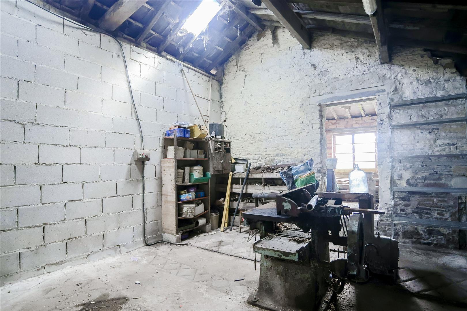 2 Bedroom Barn Conversion For Sale - IMG_2393.jpg